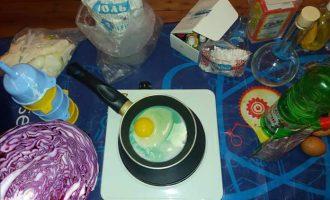 Необычная яичница - зеленая